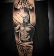 <h5>Tatuador: Raúl Mula</h5><p></p>