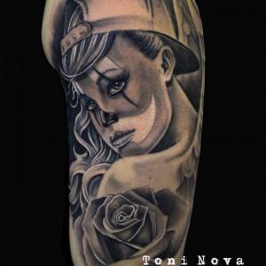 tatuajes asunto besando