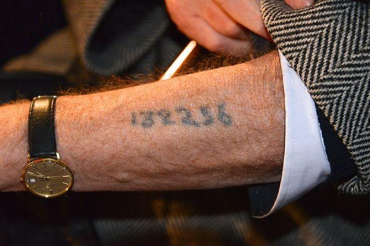 Tatuaje-de-identificación-wikimedia-commons-730×486
